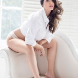 Lucy-Pinder-2017-Calendar-Photoshoot-9.th.jpg