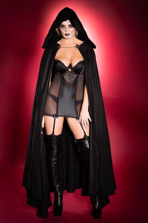 Danielle-Sellers-Halloween-Treat-31st-October-2016-4.jpg