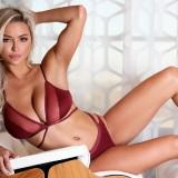 Lindsey-Pelas-Side-BoobMaxim-Italia-November-2018-3.th.jpg