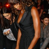 naomi-campbell-nipple-show-3.th.jpg