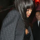 naomi-campbell-nipple-show-7.th.jpg