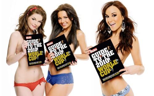 uk-glamour-models-topless-group-pics-11.jpg