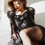 Amber-Heard-Sexy-Lingerie-and-Stockings-1.th.jpg
