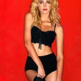 Amber-Heard-Sexy-Lingerie-and-Stockings-22.th.jpg