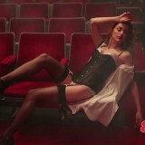 Amber-Heard-Sexy-Lingerie-and-Stockings-27.th.jpg