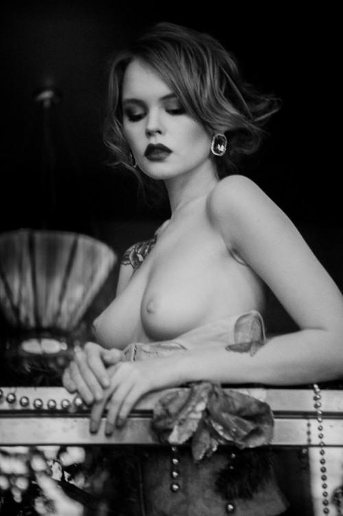 Anastasiya-Scheglova-sexy-topless---Alexey-Kruglov-Photoshoot-2016-12.md.jpg