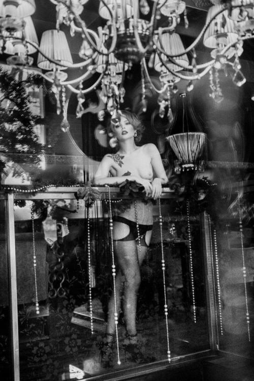 Anastasiya-Scheglova-sexy-topless---Alexey-Kruglov-Photoshoot-2016-14.md.jpg