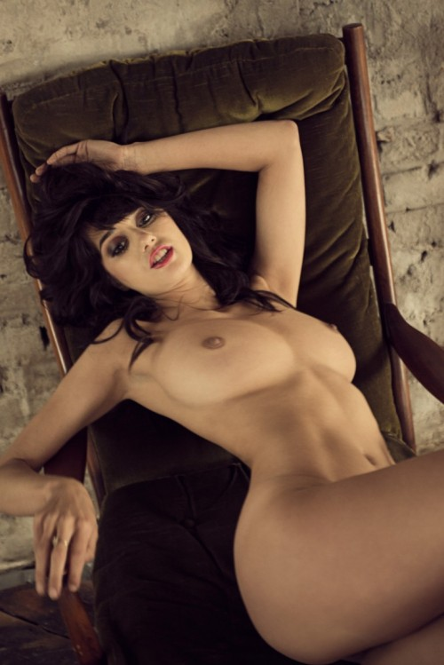 Seren-Gibson-Nude-by-Frank-White-June-2012-UHQ-Photo-Shoot-11.md.jpg