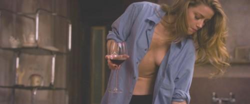 Amber-Heard-Naked-London-Fields-MovieScreencaps-1.md.jpg