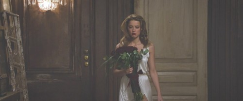 Amber-Heard-Naked-London-Fields-MovieScreencaps-21.md.jpg