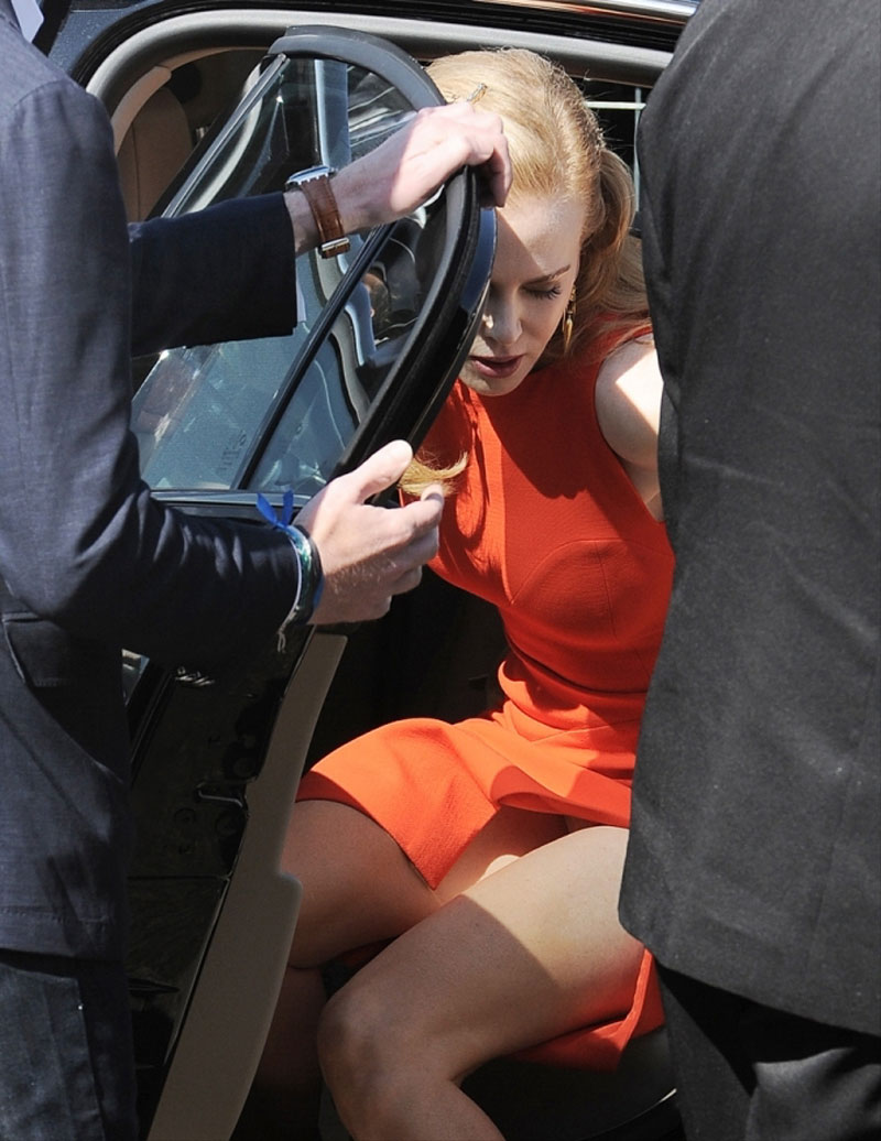 Nicole-Kidman-Panty-Peek-Upskirt.jpg