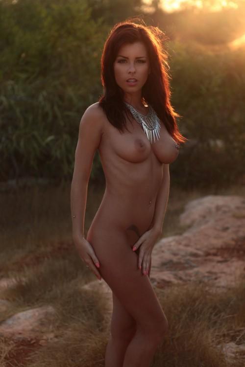 Shelley-Rae-Nude-Sexy-Calendar-Photo-Shoot-11.md.jpg