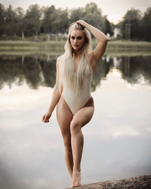 Anna Nystrom sexy Pictures
