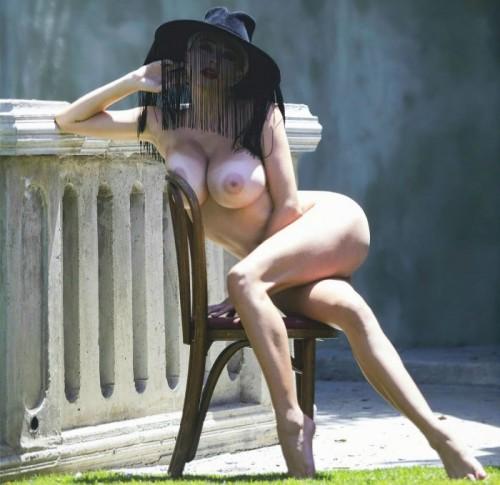 Caroline Vreeland Nude,  ELLE Russia November 2019