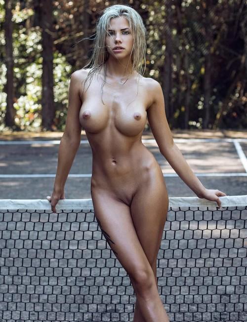 Nata-Lee-Fully-Nude-pussy-13.jpg