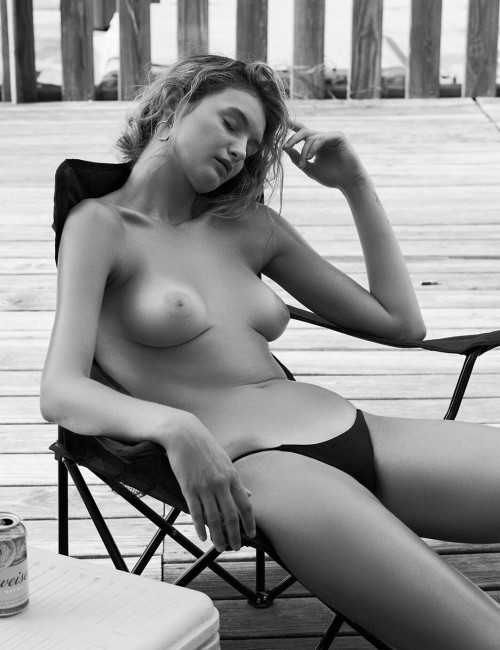 Andie-Arthur-Topless--WetT-Shirt-5.md.jpg