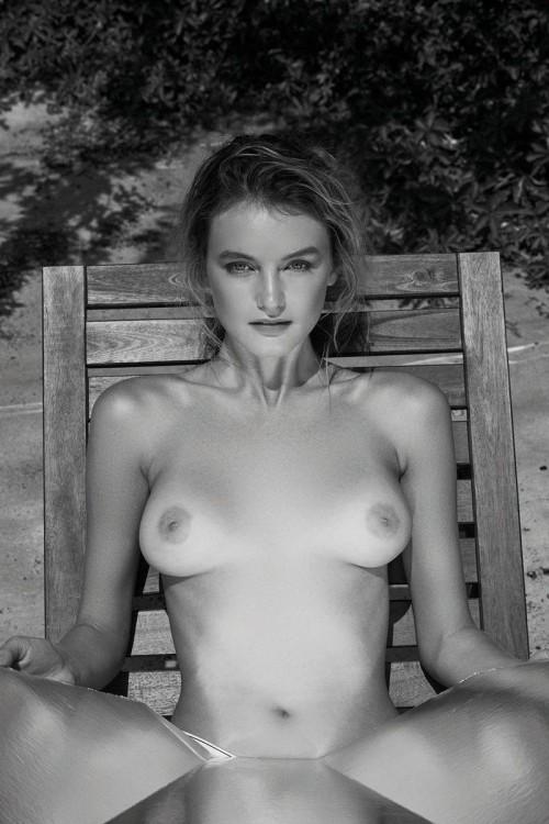 Andie-Arthur-Topless--WetT-Shirt-6.md.jpg