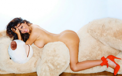 abigail-ratchford-nude-celeb-2.md.png