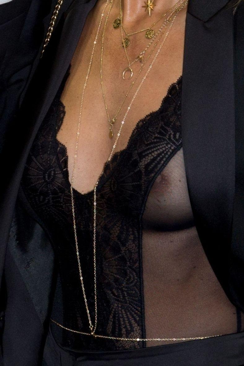 Annemarie carpendale nipple