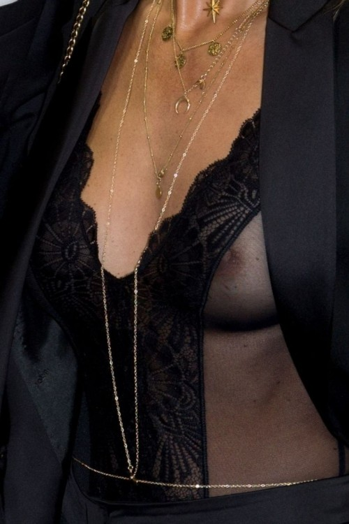 Annemarie-Carpendale-Nipple-Visible-See-Thru-2.md.jpg