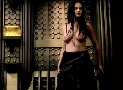 Eva-Green-Sex-SceneTopless-in-300-Rise-Of-An-Empire-14.md.jpg