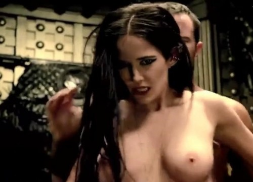 Eva-Green-Sex-SceneTopless-in-300-Rise-Of-An-Empire-7.md.jpg