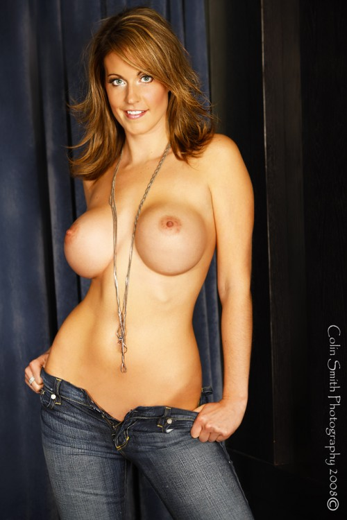 Hot-Girls-Wearing-Tight-Jeans-12.jpg