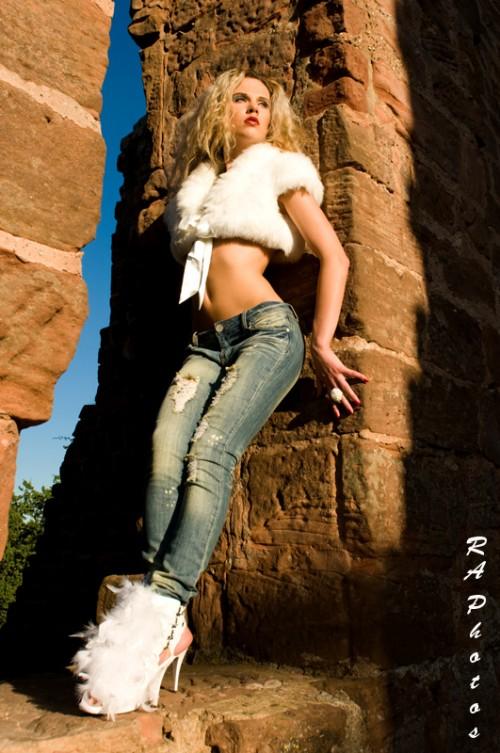 Hot-Girls-Wearing-Tight-Jeans-40.jpg