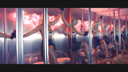 Britney-Spears-Work-Bitch-Vidcaps-14.md.jpg