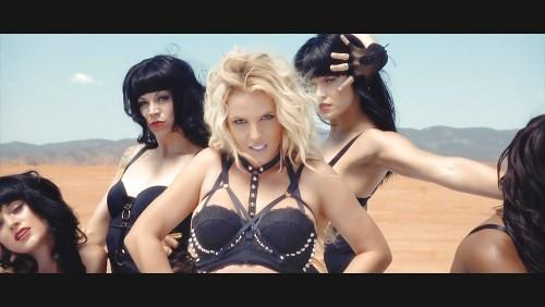 Britney-Spears-Work-Bitch-Vidcaps-18.md.jpg