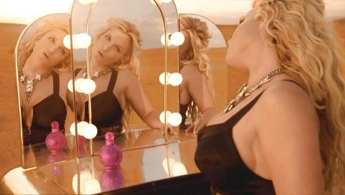 Britney-Spears-Work-Bitch-Vidcaps-20.md.jpg