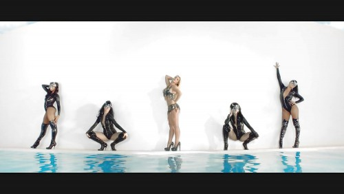 Britney-Spears-Work-Bitch-Vidcaps-22.md.jpg