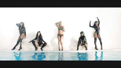 Britney-Spears-Work-Bitch-Vidcaps-23.md.jpg