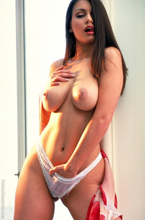 Aria-Giovani-Nude-Topless-Gallery-5.jpg