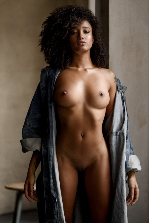 Rikae-Crisi-Naked-Full-Frontal-4.md.jpg