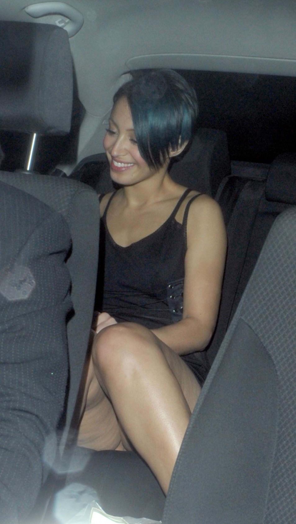 Amelle-Berrabah-Pantyless-Upskirt-5.jpg