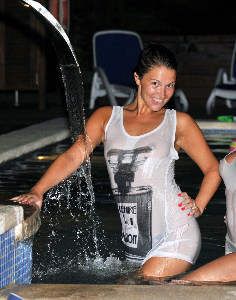 Natasha-Giggs-Wet-T-Shirt-Topless-2.jpg