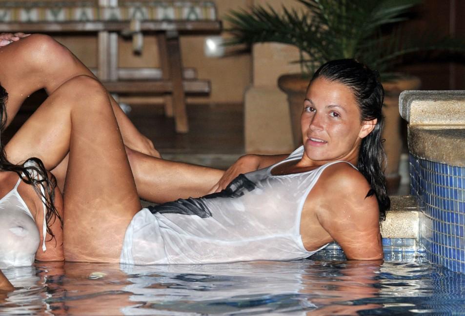 Natasha-Giggs-Wet-T-Shirt-Topless-5.jpg