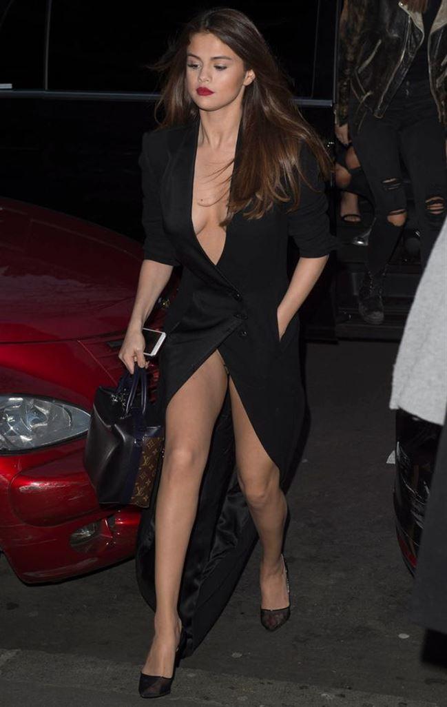 Selena-Gomez-upskirt-1.jpg