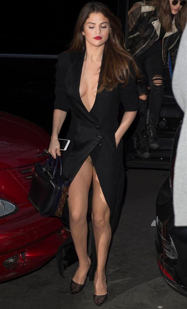Selena-Gomez-upskirt-2.jpg