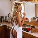 Nata-Lee-Naked-In-the-Kitchen-1.th.jpg