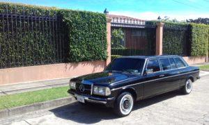 la-casa-del-expresidente-Oscar-Arias.-Rohrmoser-Costa-Rica-Mercedes-Limousine-300D.jpg