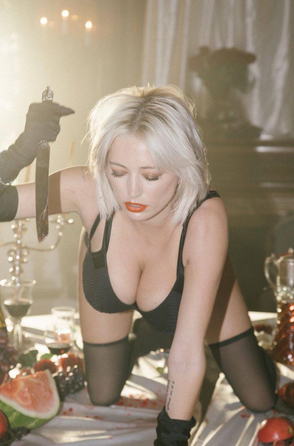 Caroline-Vreeland-Black-Lingerie-3.jpg