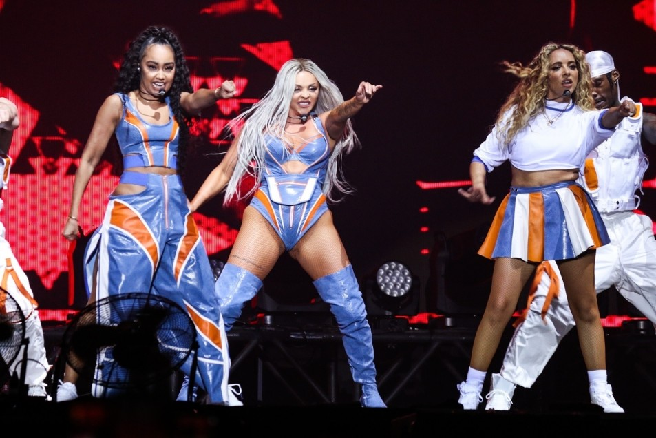 Little-Mixs-Jesy-Nelson-ccameltoe-on-stage-9.jpg