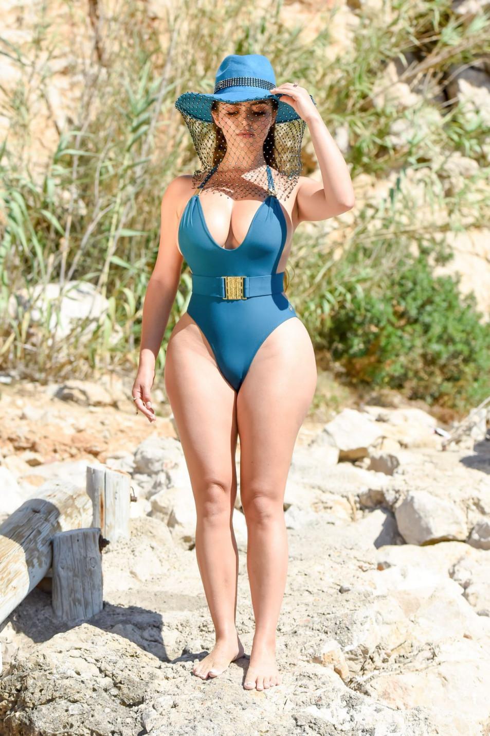 Demi-Rose-Mawby-swimsuit-photo-shoot-5.jpg