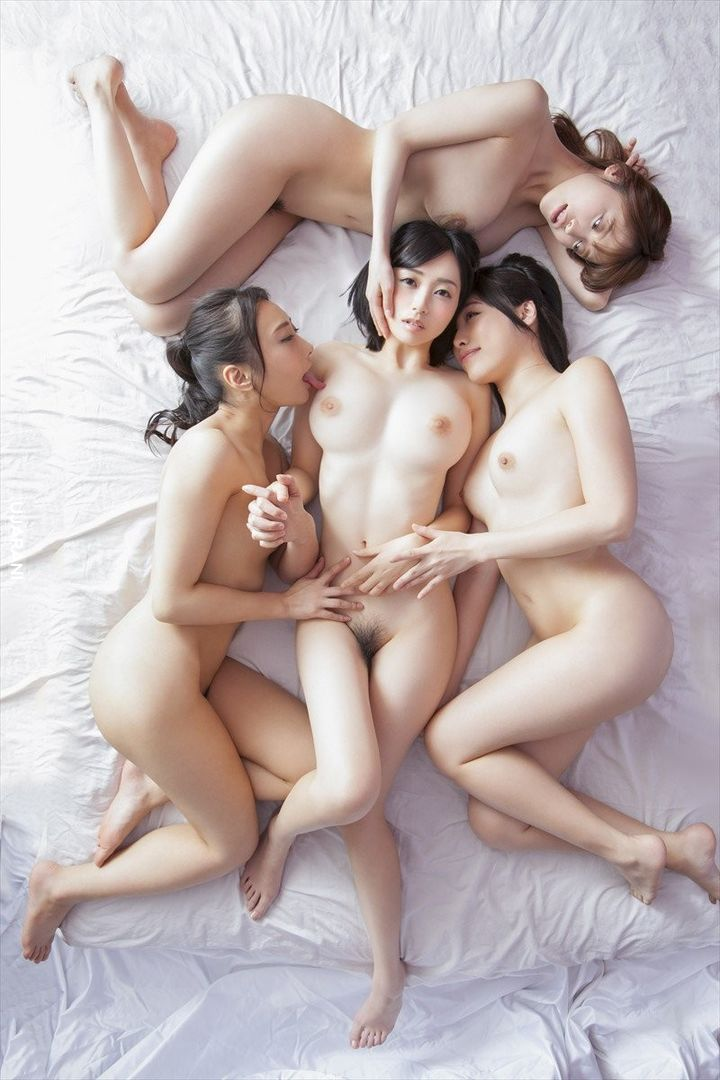 The-hottest-naked-girl-groups-213.jpg