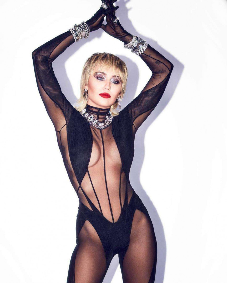 Miley-Cyrus-hot-in-Bodystocking-2.jpg