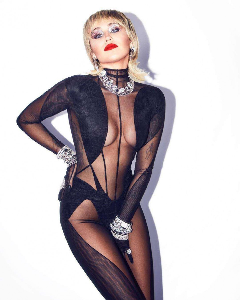 Miley-Cyrus-hot-in-Bodystocking-3.jpg