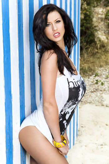 400Alice-Goodwin-Naked-And-Sexy-Photos-1.jpg