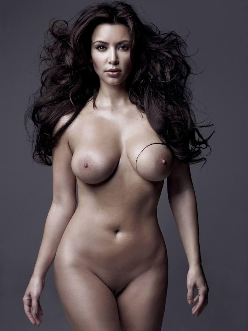 Kim Kardashian Completely Nude